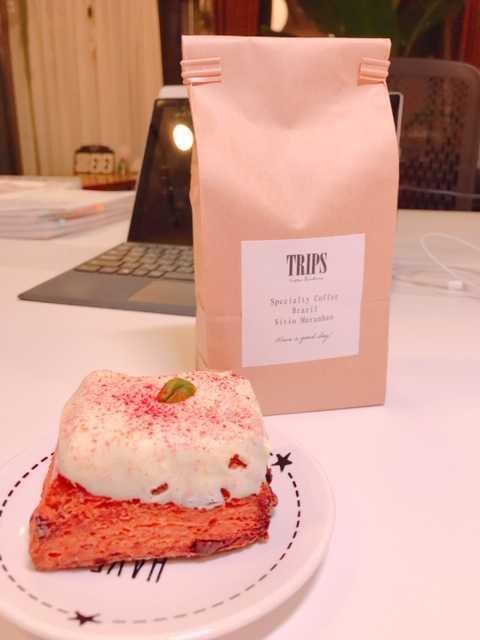 TRIPSさんのスコーンとコーヒー.JPG